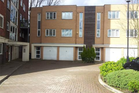 3 bedroom house to rent - Lakeside Rise, Manchester, M9
