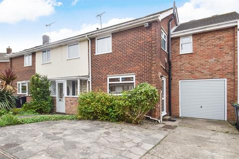 4 bedroom semi-detached house for sale - Millstream Close, Whitstable
