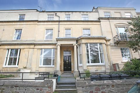 2 bedroom flat to rent - Kensington Place, Clifton