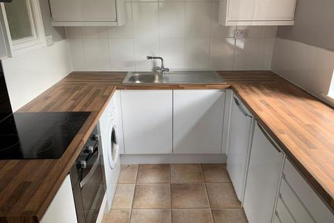 1 bedroom flat to rent - Janie Court, Wake Green Road