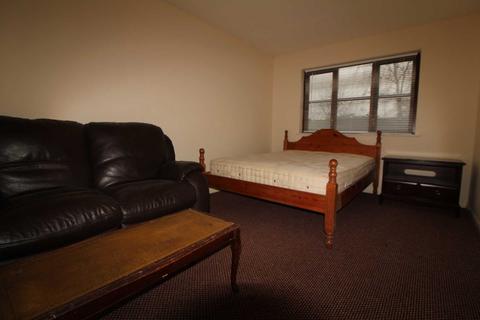 Studio to rent - Waterside, Uxbridge