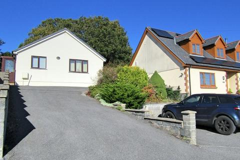 2 bedroom detached house for sale - Heol Bancyroffis , Pontyates, Llanelli, Carmarthenshire. SA15 5SA