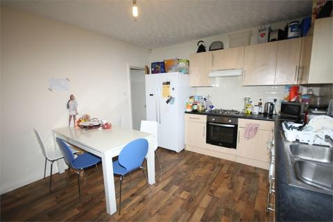 5 bedroom end of terrace house to rent - Welton Place, Hyde Park, LEEDS
