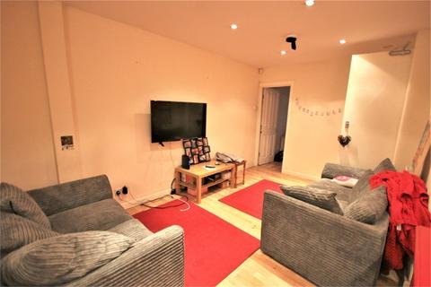 5 bedroom terraced house to rent - Mayville Place, Leeds, West Yorkshire