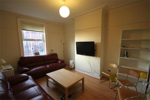 6 bedroom terraced house to rent - Ebor Mount, Hyde Park, LEEDS