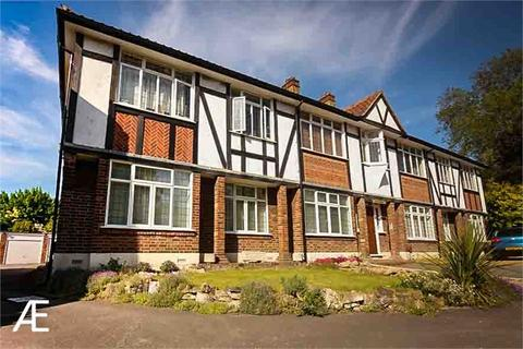 4 bedroom flat to rent - Foxgrove Road, Beckenham, Kent