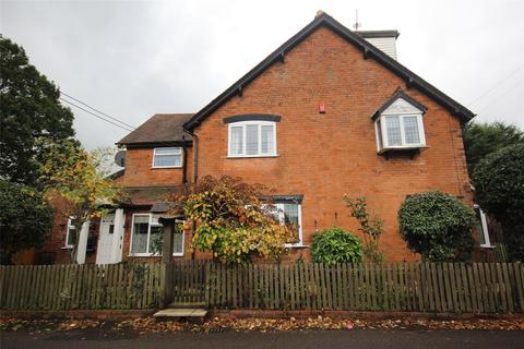 3 bedroom semi-detached house for sale - Lugtrout Lane, Solihull, West Midlands, B91