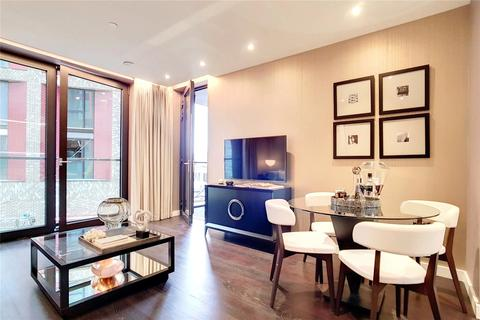 2 bedroom flat for sale - Madeira Tower, The Residence, Ponton Road, London, SW11