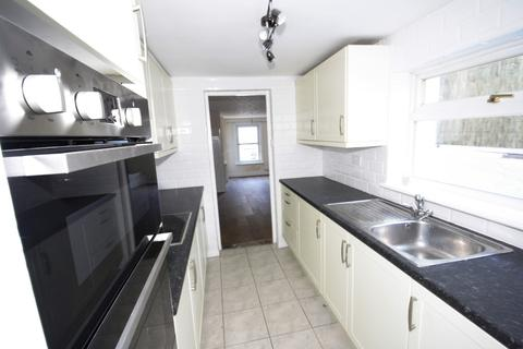 3 bedroom terraced house to rent - Clarendon Place, Dover