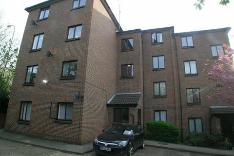 2 bedroom flat to rent - Honeysuckle Court, Westhorne Avenue, London SE12