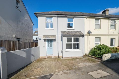 3 bedroom terraced house to rent - Meadow Road, Tunbridge Wells