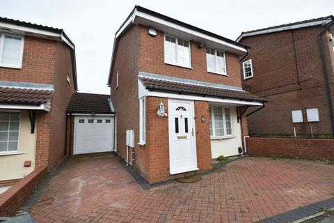 3 bedroom detached house to rent - Rochford Drive, Luton