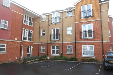 2 bedroom apartment to rent - Vicarage Court, Redfield