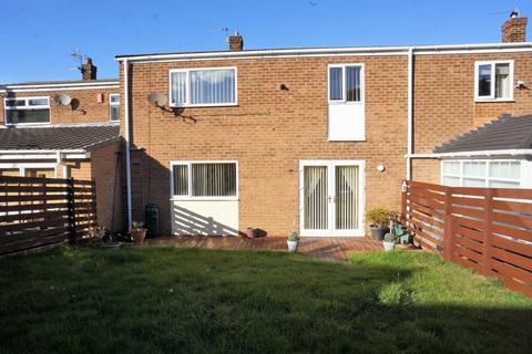 3 bedroom terraced house - Shield Row Gardens, Stanley