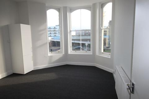 2 bedroom flat to rent - Dalby Square