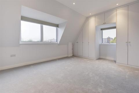 3 bedroom penthouse to rent - THE VALE, GOLDERS GREEN, NW11