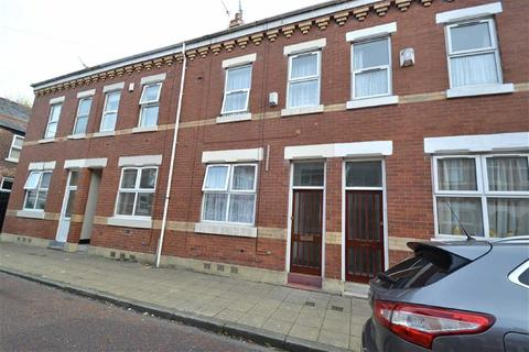 3 bedroom terraced house for sale - Byrom Street, Old Trafford, Manchester