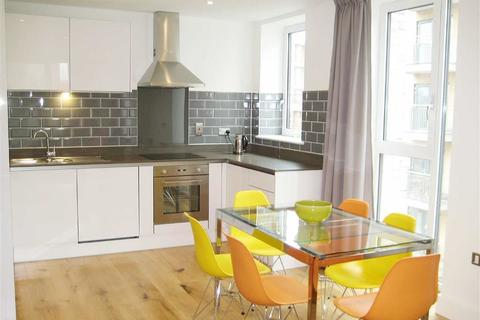 2 bedroom apartment to rent - Sovereign Tower, Canning Town, London