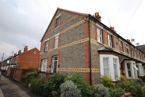 4 bedroom end of terrace house for sale - Beresford Road, Reading