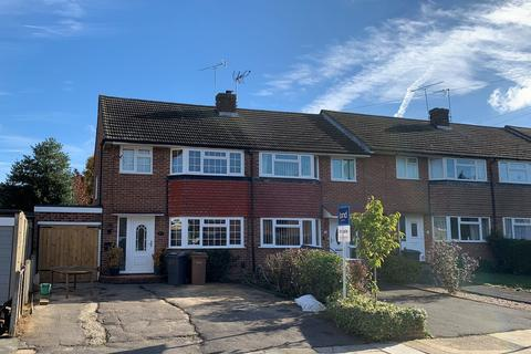 3 bedroom end of terrace house for sale - Lucas Avenue, Moulsham Lodge, Chelmsford, CM2