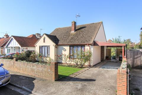 3 bedroom detached bungalow for sale - Ellis Road, Whitstable
