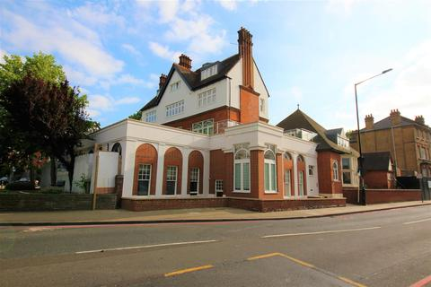 2 bedroom flat to rent - Upper Richmond Road, Putney, London