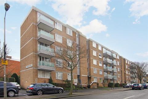 2 bedroom flat to rent - Rayners Road, London