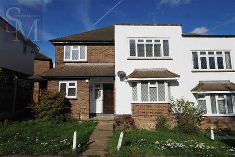 2 bedroom maisonette to rent - Warren Court, Chigwell, Essex