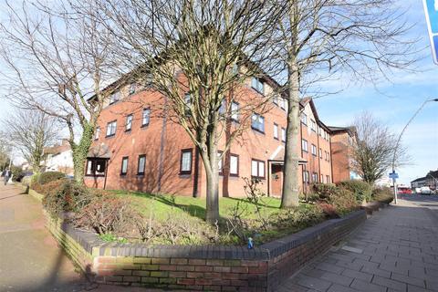 1 bedroom flat for sale - Ashton Court, High Road, Chadwell Heath, Romford