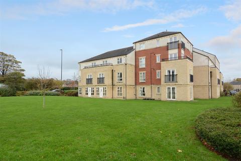 2 bedroom apartment for sale - Silver Cross Way, Guiseley, Leeds