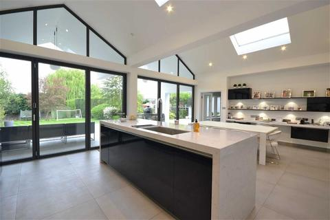 5 bedroom detached house to rent - Waggon Road, Hadley Wood, Hertfordshire