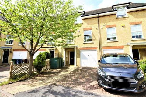 4 bedroom townhouse to rent - Harlech Gardens, Pinner, Middlesex