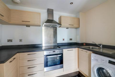 2 bedroom flat for sale - Draper Close, West Thurrock