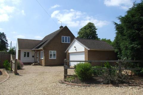 3 bedroom house to rent - GUILSBOROUGH VILLAGE - NN6