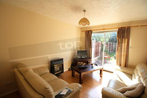 4 bedroom semi-detached house to rent - **£100pppw** Heron Drive, Lenton, NOTTINGHAM, NG7
