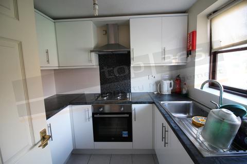 2 bedroom semi-detached house to rent - **£100pppw** Grinsbrook, Lenton, NOTTINGHAM
