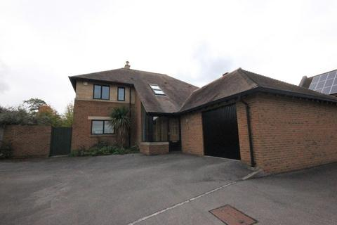 5 bedroom detached house to rent - The Wheatway, Abbeydale, GLOUCESTER GL4