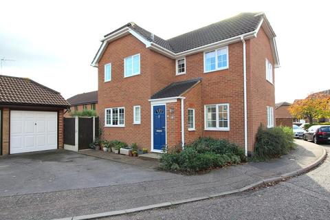 3 bedroom detached house for sale - Wilshire Avenue, Springfield, Chelmsford, Essex, CM2