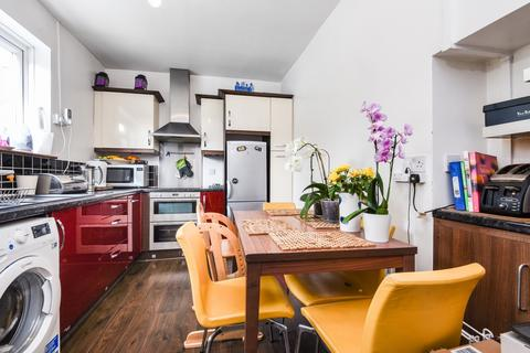 2 bedroom end of terrace house to rent - Hargood Road Blackheath SE3