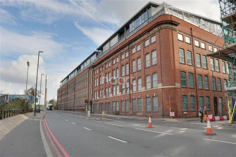 2 bedroom flat to rent - The Hicking Building, Queens Road, NG2
