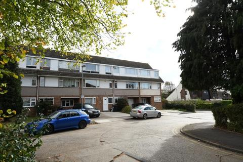 6 bedroom house share to rent - St. Fabians Drive, Chelmsford