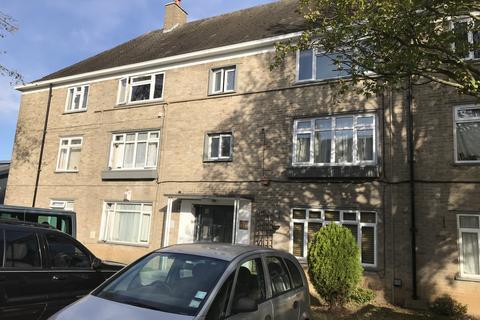 2 bedroom flat to rent - Heaths Close, EN1