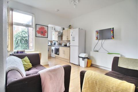 3 bedroom terraced house to rent - Spring House Road , Sheffield  S10