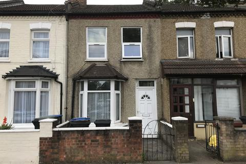 2 bedroom terraced house to rent - Bounces Road, N9