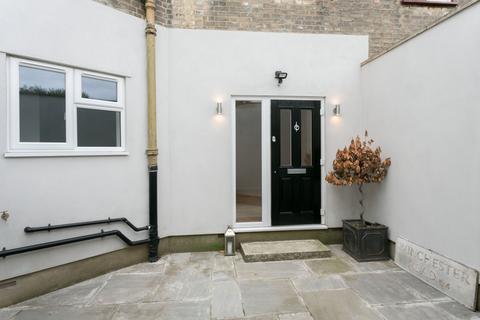 Studio for sale - Winchester Road, Highams Park, E4