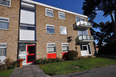 2 bedroom apartment for sale - Courtlands, Chelmsford