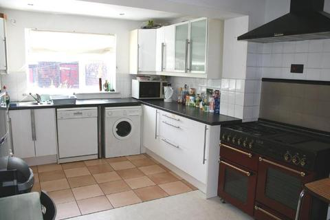 4 bedroom terraced house to rent - Rothbury Terrace, Heaton, Newcastle upon Tyne NE6