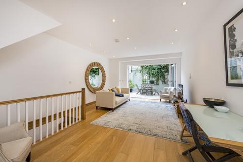 4 bedroom property to rent - Boyne Terrace Mews, Holland Park