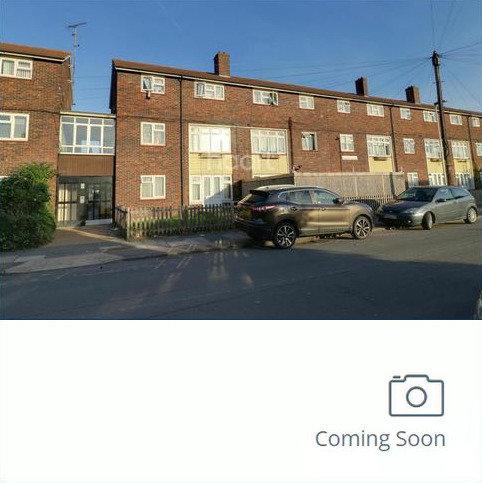 3 bedroom flat for sale - Charlton Crescent, Barking