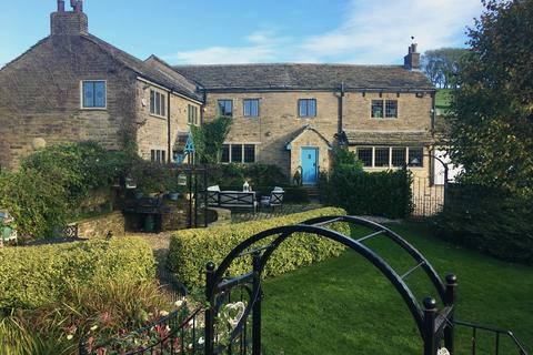 4 bedroom detached house for sale - Church Road, Mellor